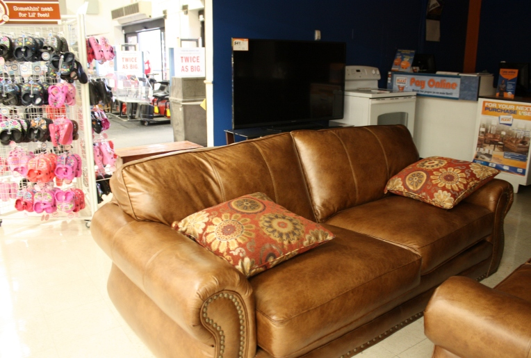 leather sofa - H-E-B Grocery in Seguin, Texas