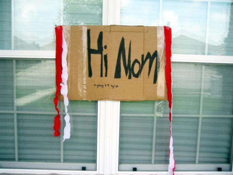 hi mom-b