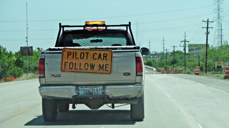 pilot car-b